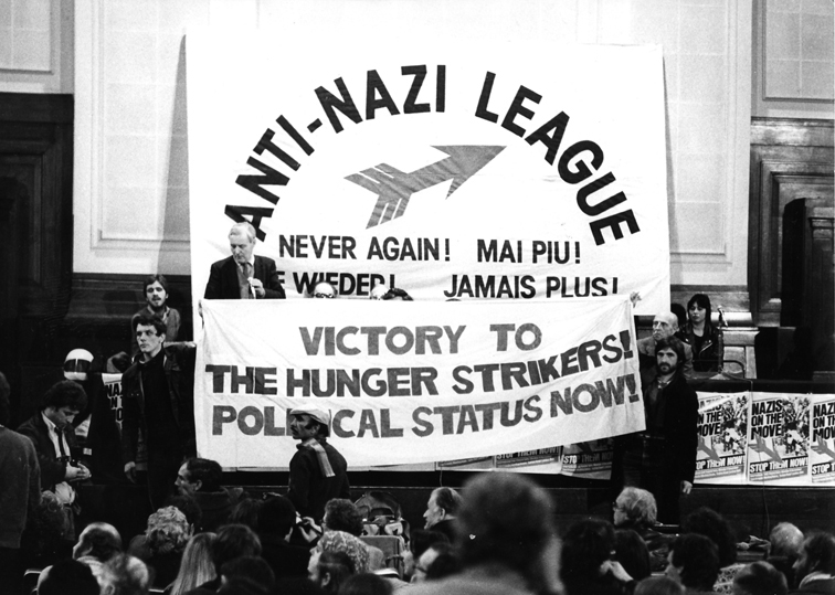 tony_benn_speaks_on_an_anl_platform_in_london_8_december_1980